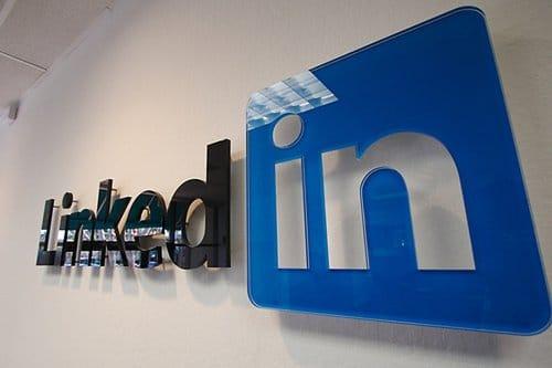 contacts-linkedin-facebook